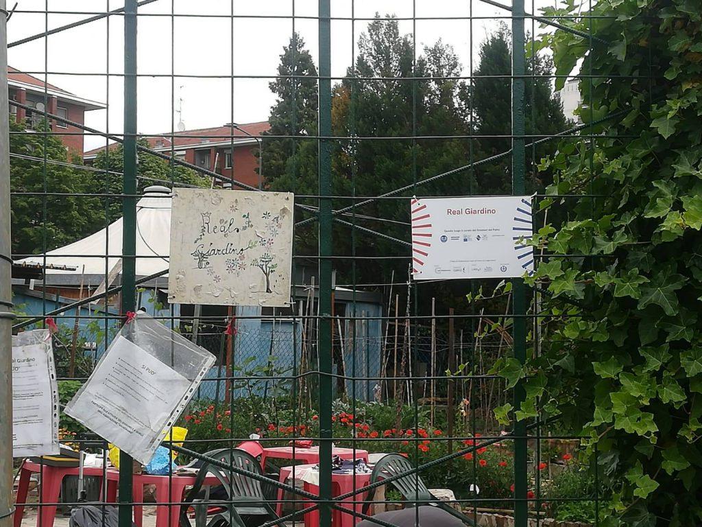 Real Giardino insegna a - Associazione ViviAdriano